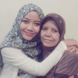 Momen Indah Semasa Kecil Bersama Mama