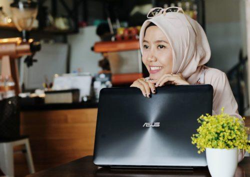 Mencari teman Berbagi Lifestyle Blogger with ASUS X555Q AMD Series